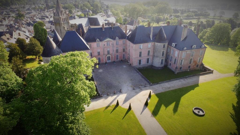 Château de Meung-sur-Loire © D. R.