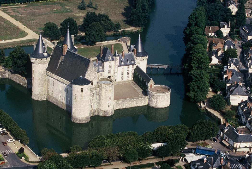 Le château de Sully-sur-Loire, un cadre à couper le souffle... © La République du Centre